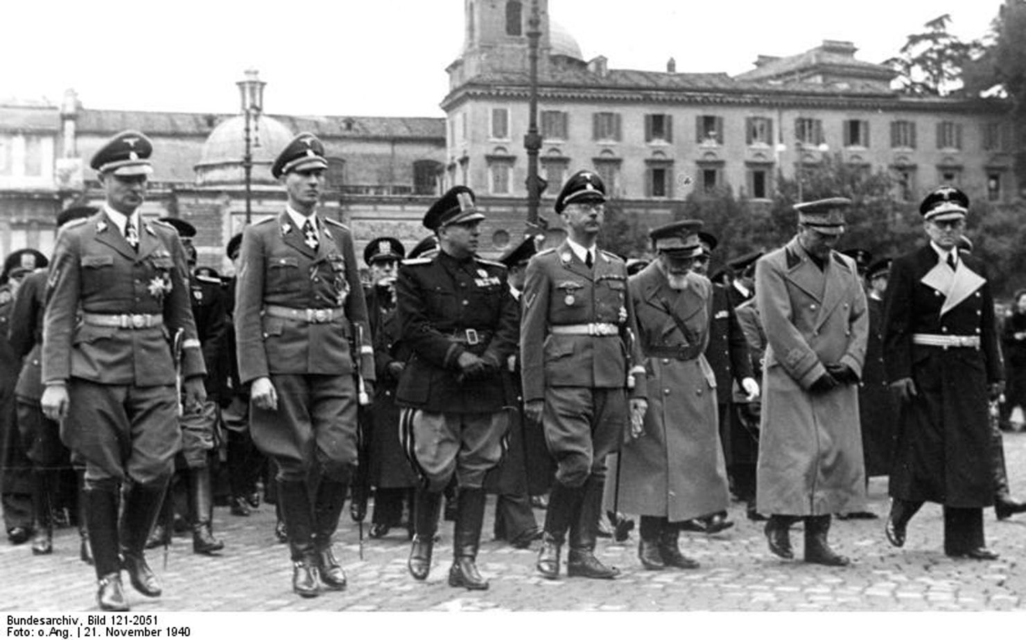 an analysis of the world war two and the extermination of the jewish people The two faces italy displayed toward jewish citizens and refugees just before and during world war ii have become the focus of recent historical research that both undermines that country's.